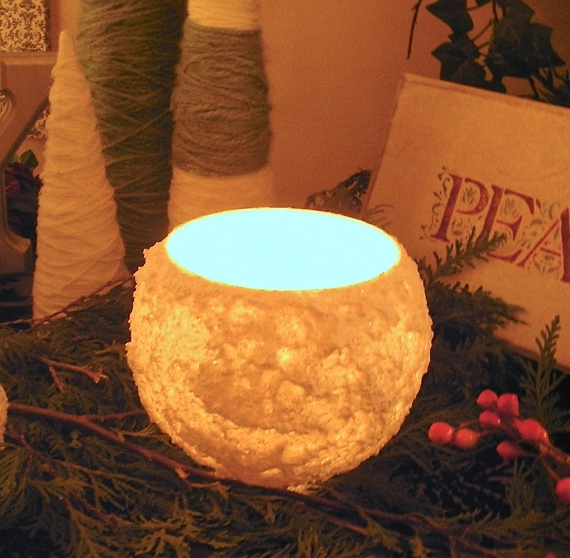 How to make a glowing, glittery snowball candle globe…