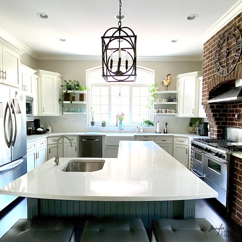 The Pros and Cons of Painting Kitchen Cabinets