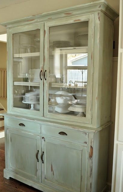 how to make a new peice of furinture look old with paint and distressing