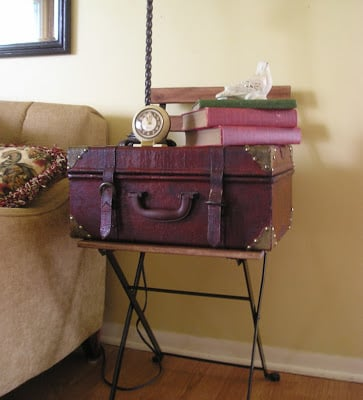 Easy vintage suitcase table