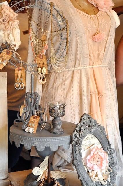 boutique jewelry display idea