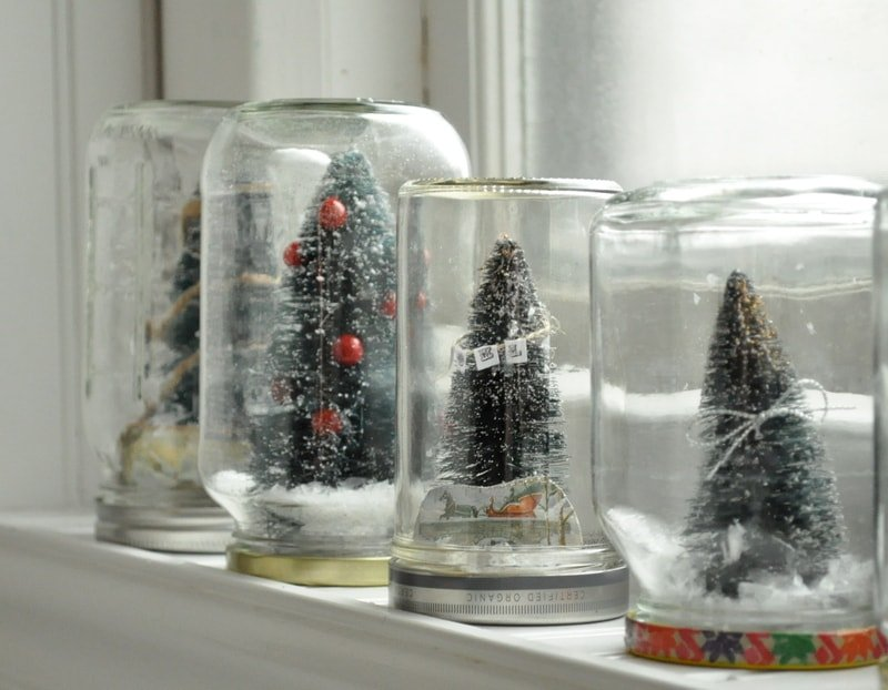 Love to make those waterless snow globes jennifer rizzo for Easy homemade christmas snow globes