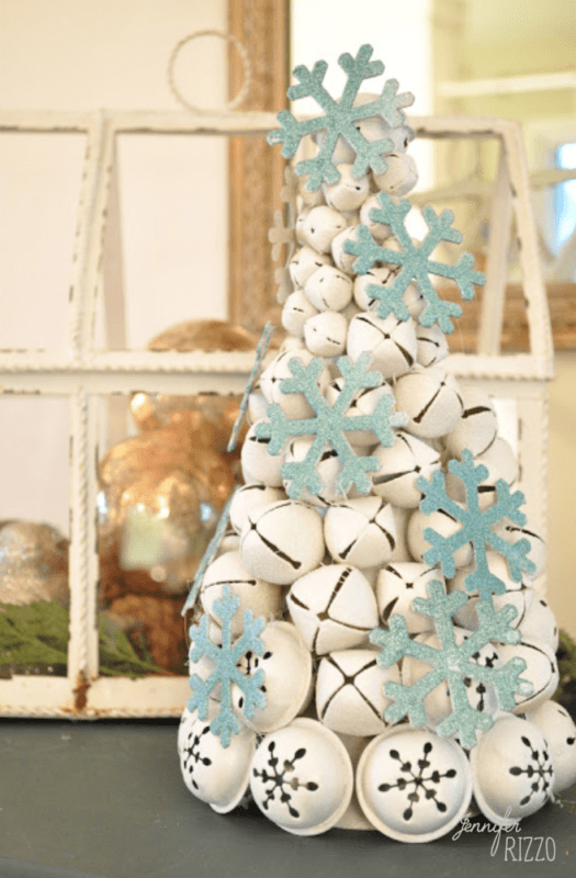 Make an easy jingle bell tree with paint