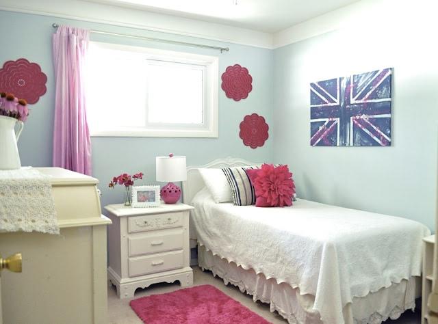 Fun tween bedroom