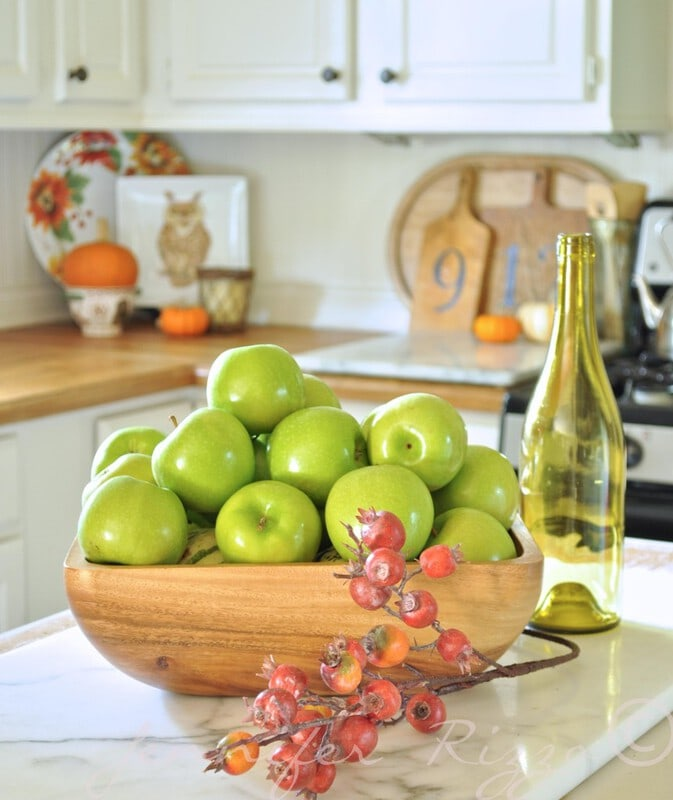 Kitchen decor and staging