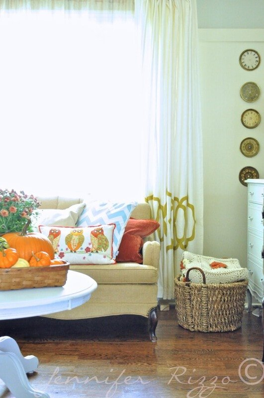 Blankets in baskets for Hygge and fall and winter living room decor