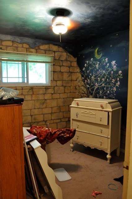 From baby nursery to girl's bedroom makeover….