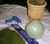 Make your own moss-filled topiary containers….