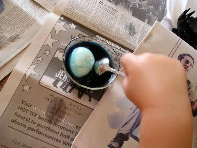 How to make marbled eggs for Easter or The 4th of July!….