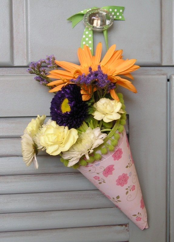How To Make Hanging Paper Cone Vases For Flowers