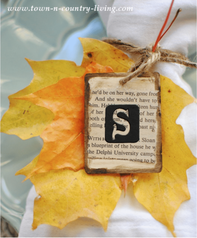 Make a DIY tablesetting with Fall leaf DIY place cards