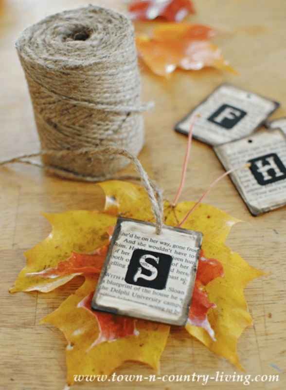Making a table place card with real leaves