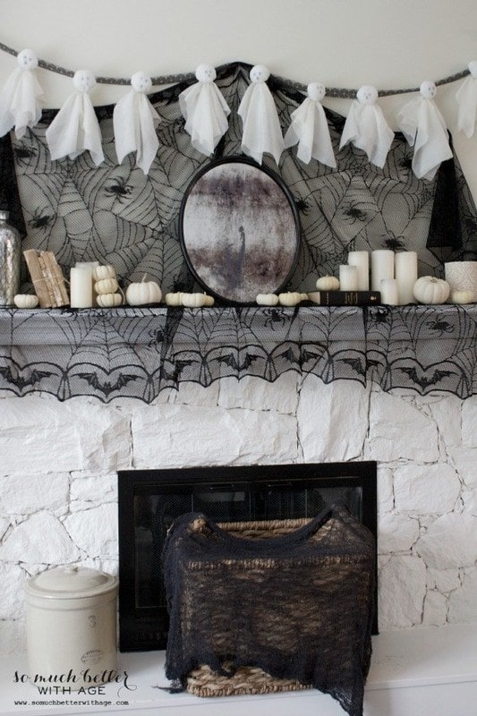 Spooky Halloween mantel and ghostly garland!