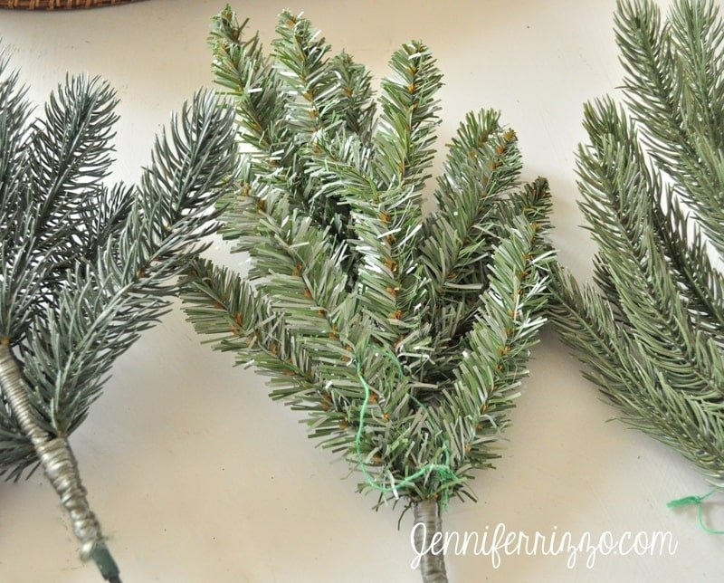 How to choose a real-looking artificial Christmas tree with the Balsam Hill branch sampler kit