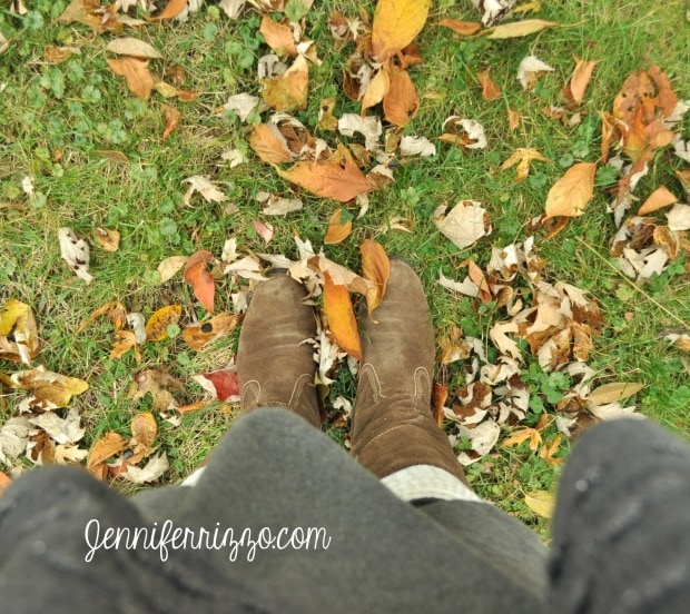 Fall leaves and the amazing scent of fall at home