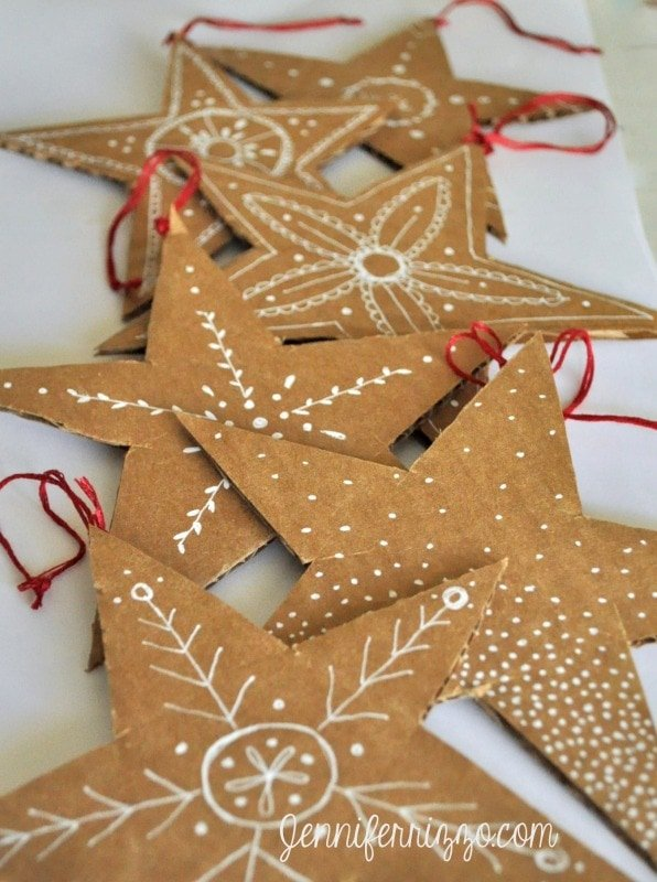 really clever hadn-drawn recycled card board stars made from ordinary boxes!