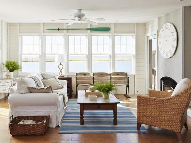 furniture arrangement in small space living
