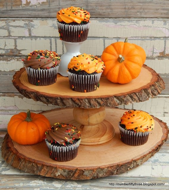 really cute diy cupcake stand