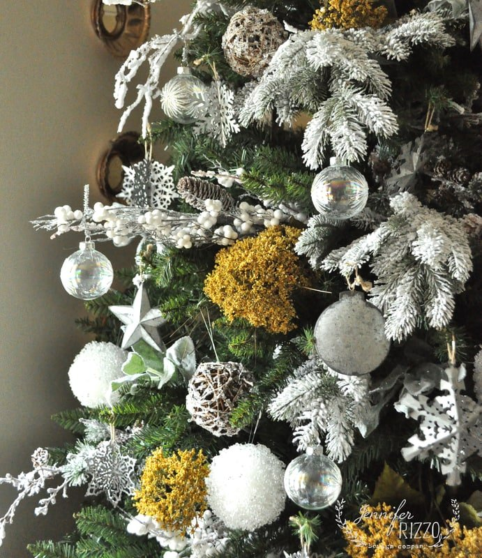 A natural gold,galvanized and white Christmas tree decorating idea