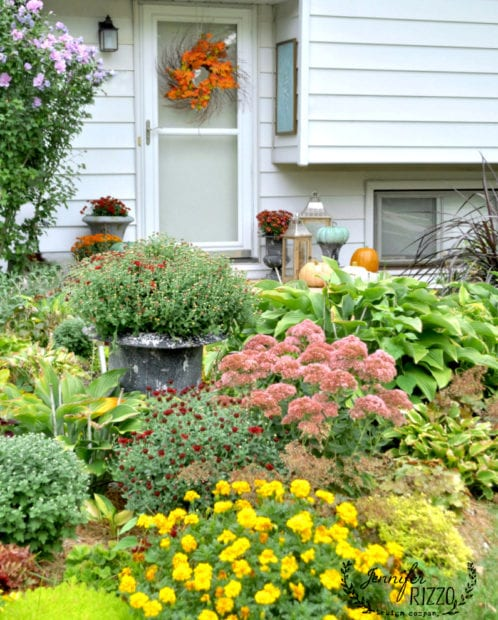 Front porch and landscape for fall Fall flower combinations