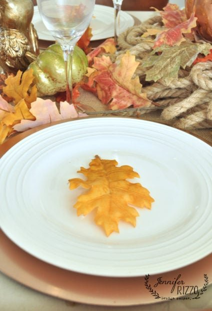 leaf on tablesetting for simple decor