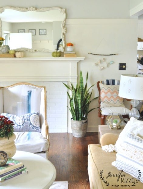 simple fall bohoemian decor in a decorated fall living room
