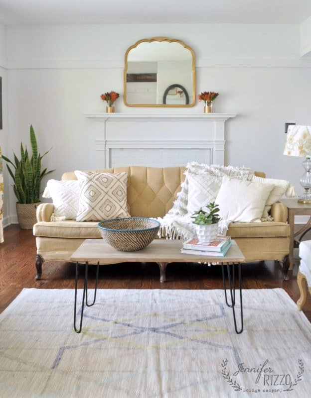 Boho lliving room with White walls in Crystal clear white