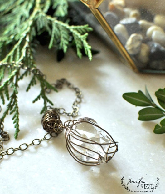 Make a this stone and wire necklace in the Modern Bohemian jewelry on line course by Jennifer Rizzo