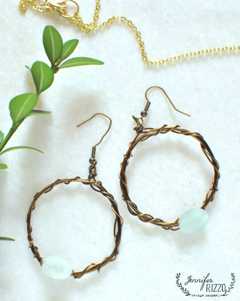 Leanr to make these wire wrapped earrings in the Modern Bohemian online course by Jennifer Rizzo