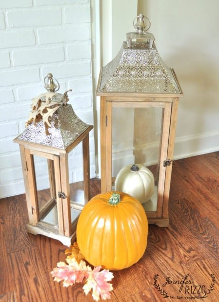Lanters and pumkins as decor