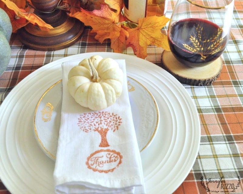 tablscape with mini pumpkins