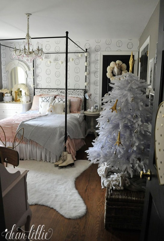 Dear Lillie Christmas bedroom