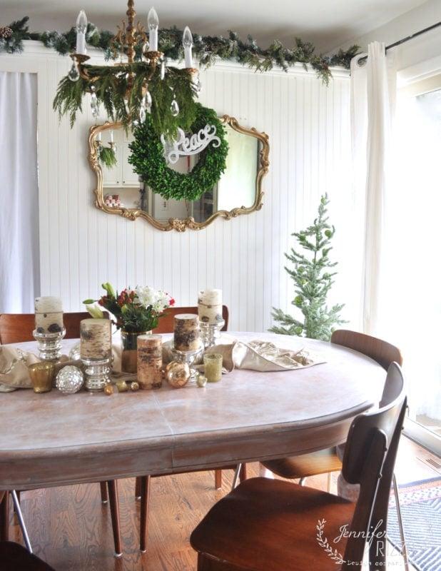 Holiday dining room decor