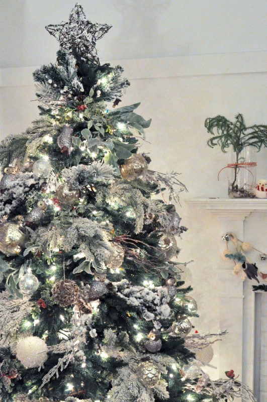 Holiday tree white lights