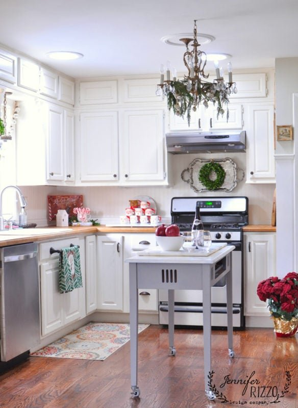 White kitchen decorated for the holidays in my hoiday decorated home tour