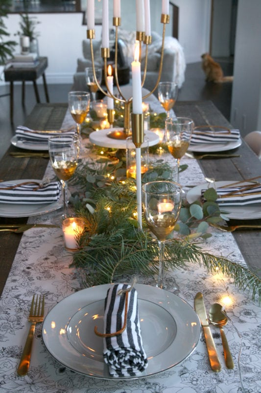 Jeanne Oliver table scape for the holidays