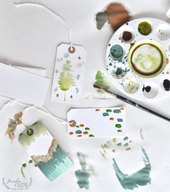 How to paint your own DIY gift tags