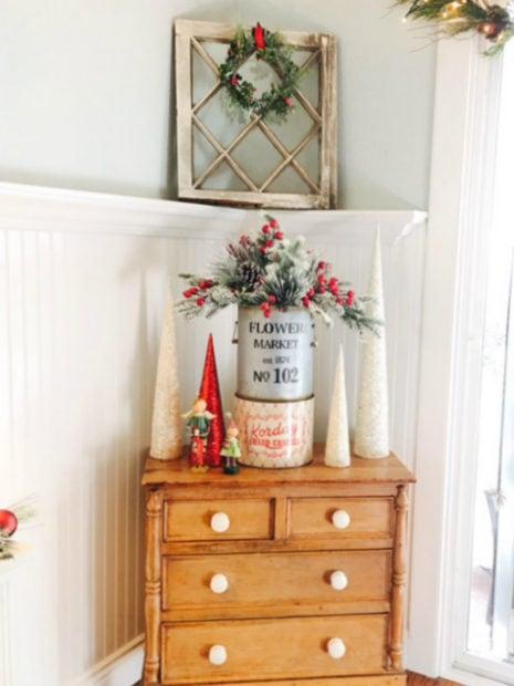 pretty vintage Christmas display