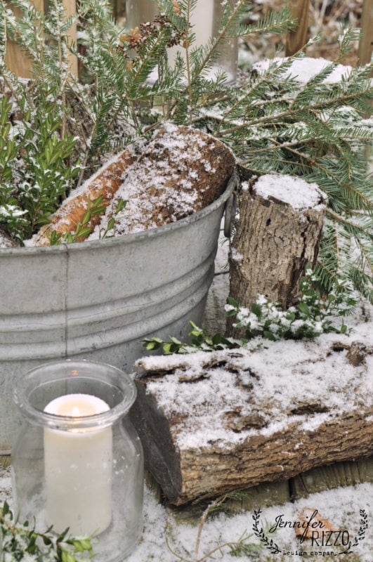 using fresh elements in winter decorating