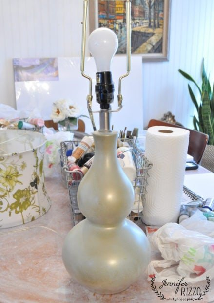 Easy lamp makeover with paint