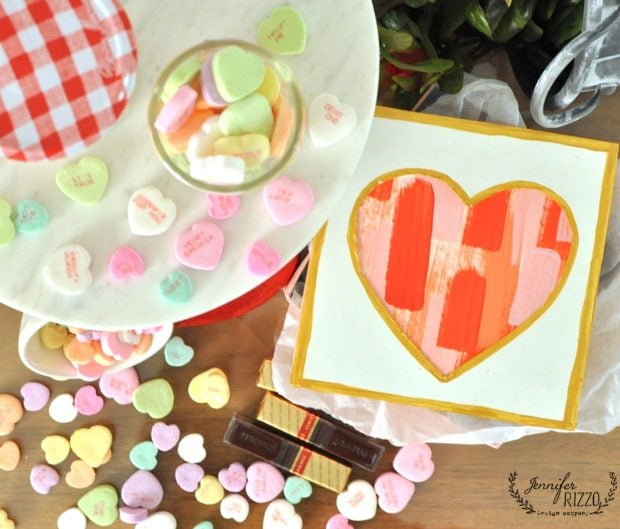 Paint stripe heart gift box