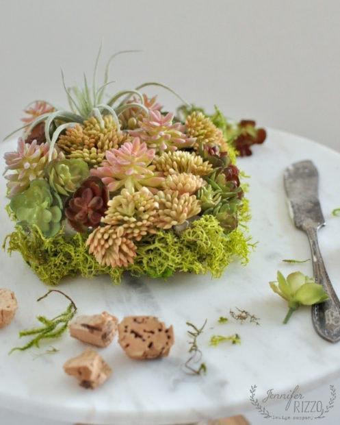 Fun natural decor with this mini faxu succulent planter