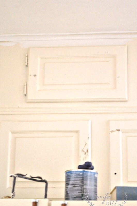 Kitchen cabinet paint contrast