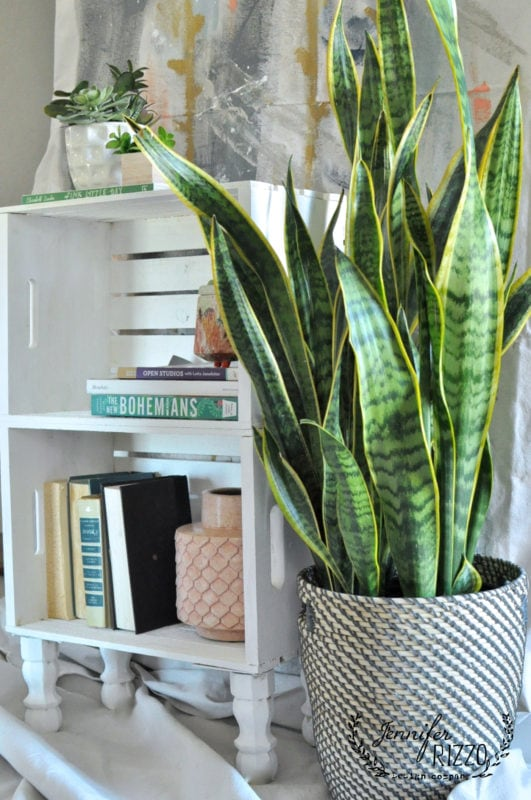 Make An Easy DIY Crate Side Table