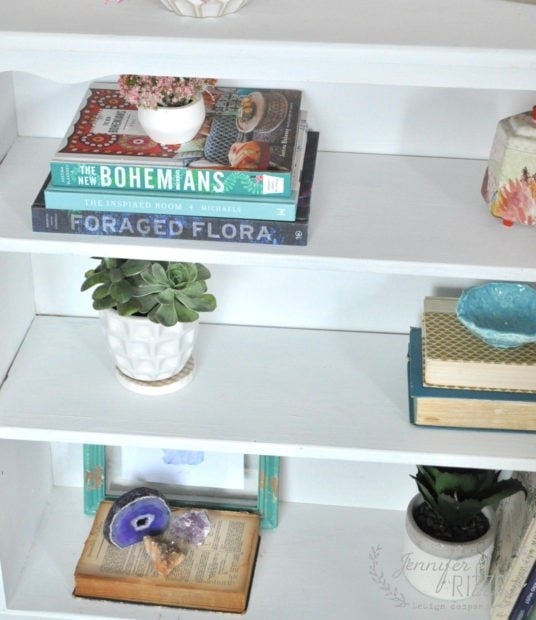 Simple styled boho bookcase shelfie idea