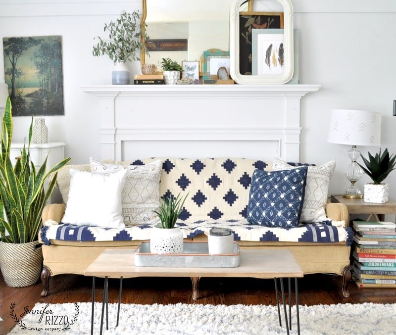 Throw Rugs On Sofas: Throw Rug As A Couch Covering For Boho Style