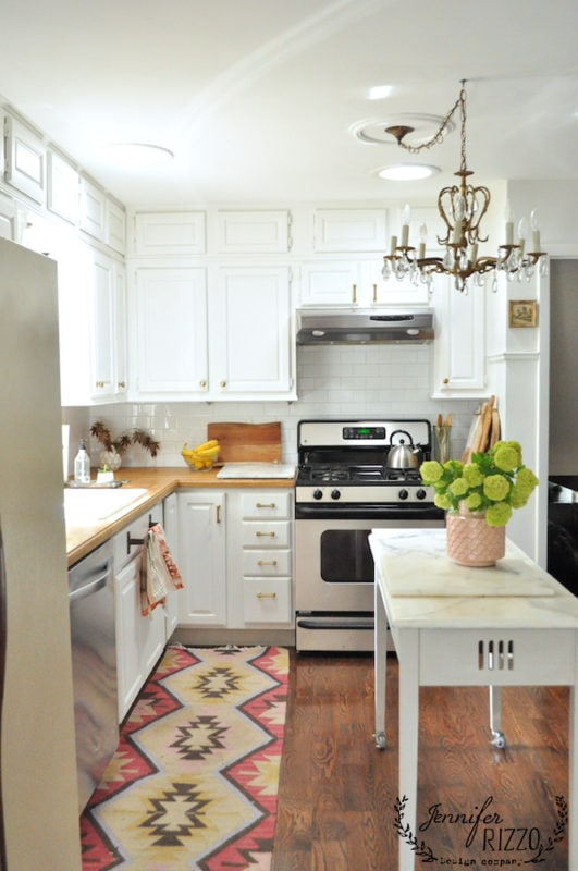 Kitchen subway tile with gray ad white scheme