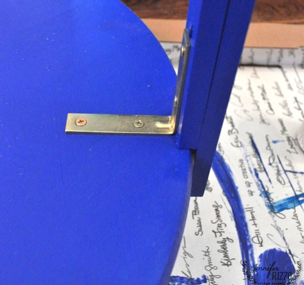 L brackets to attach table legs