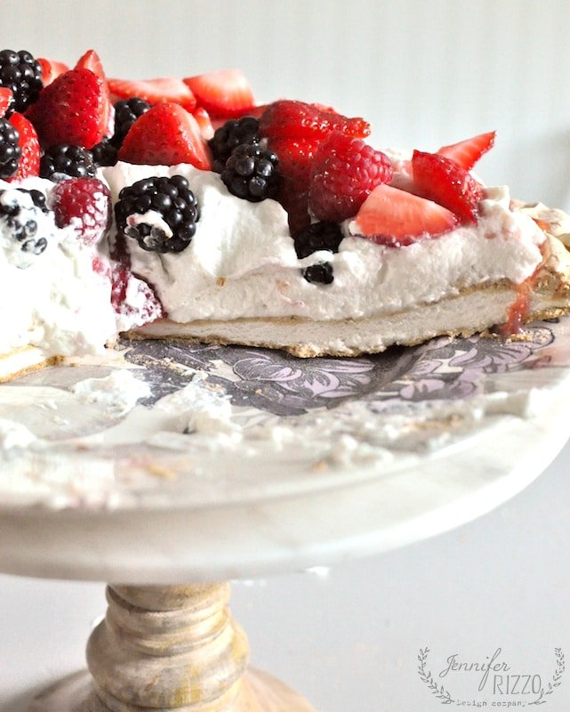 Pavlova with berries and strawberry sauce