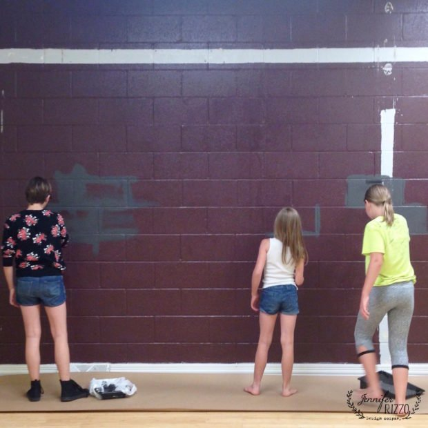 Helpers painting